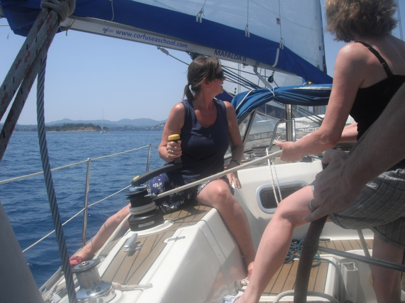 Crew work RYA learn to sail